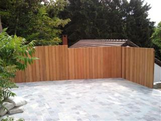 Terrabois terrasse bois bambou carport portail for Barrieres de jardin en bois